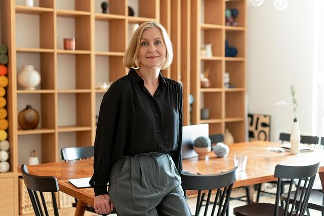 女性が起業するメリット・デメリットとは?起業例やフローを紹介します
